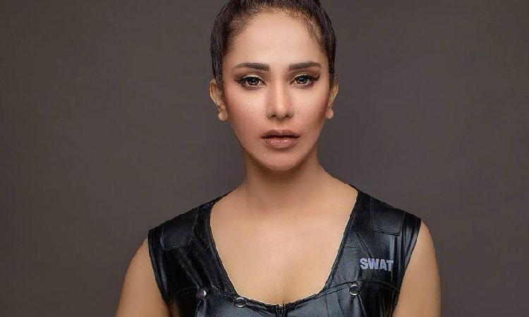 Hajra khan